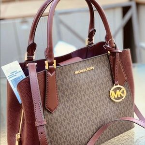 Michael Kors Bags - Michael Kors large Satchel purse